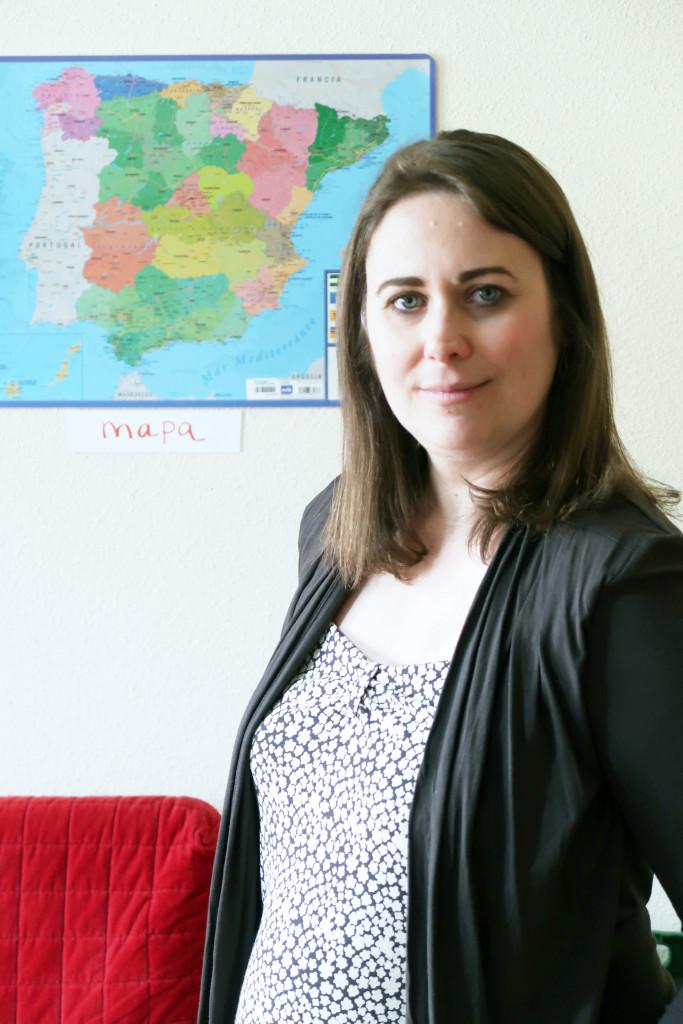 Laura Mascaró, trilingüismo