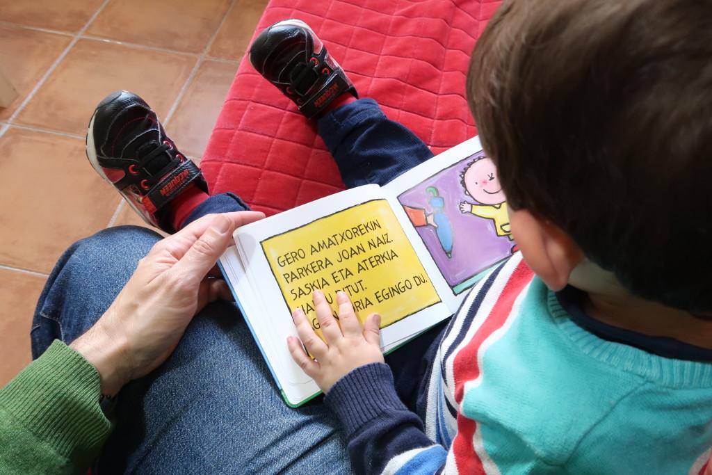 Laura Mascaró, criar bilingüe